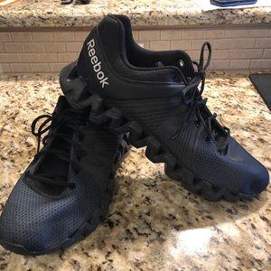 ea0320e55359b Men s Reebok Shoes Zig on Poshmark